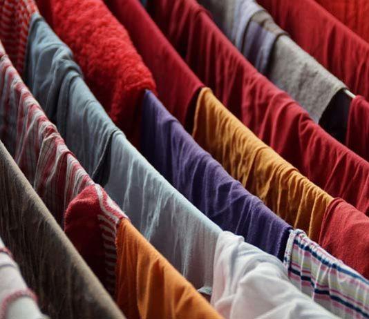 Gdzie lepiej suszyć pranie – wewnątrz czy na dworze?