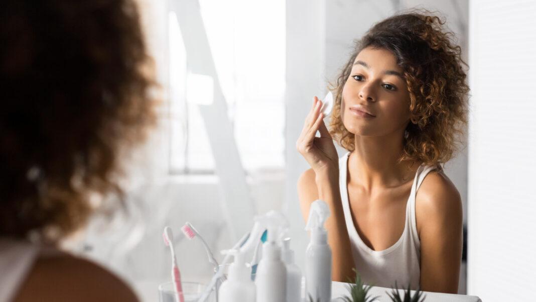 Dwuetapowe oczyszczanie twarzy