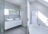duży salon kąpielowy